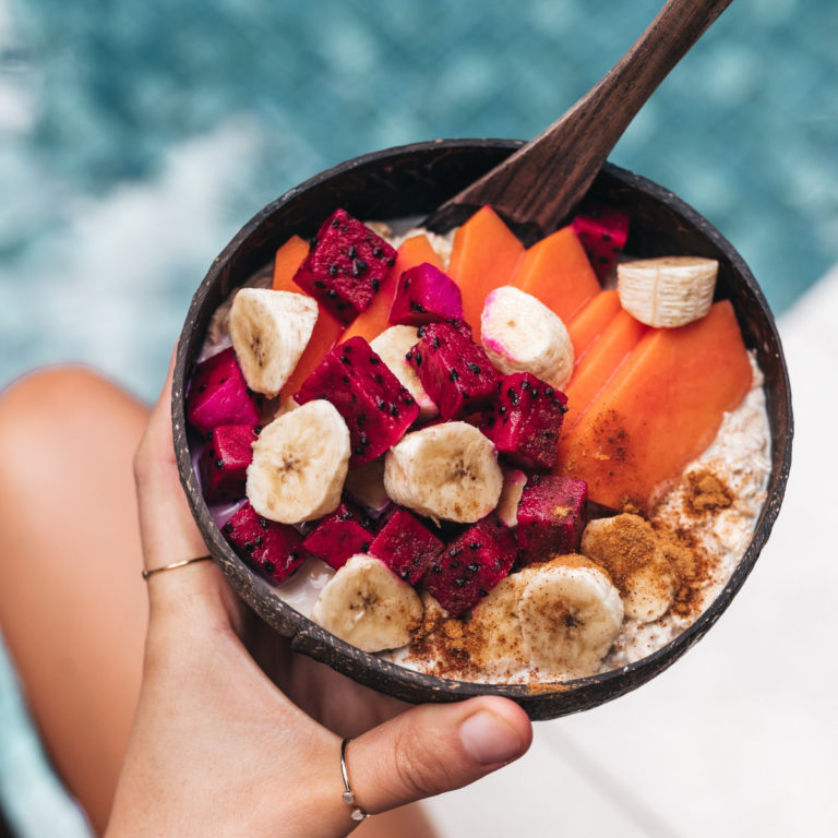 bol de fruits tropicaux